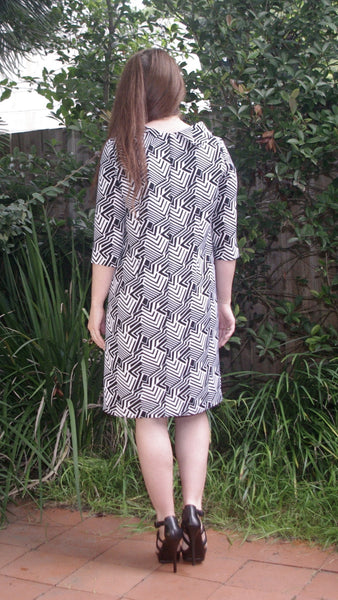 Aine mod dress black and white