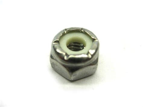 Evinrude Johnson OMC Engine Part Nut * 0121470 121470