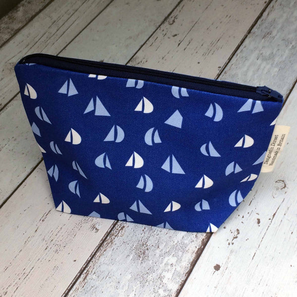 Make-up bag in Navy Blue Yacht Sails repeat pattern