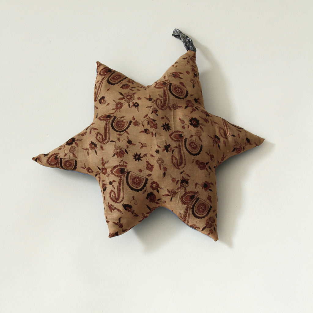 SUSTAIN vintage silk star, medium