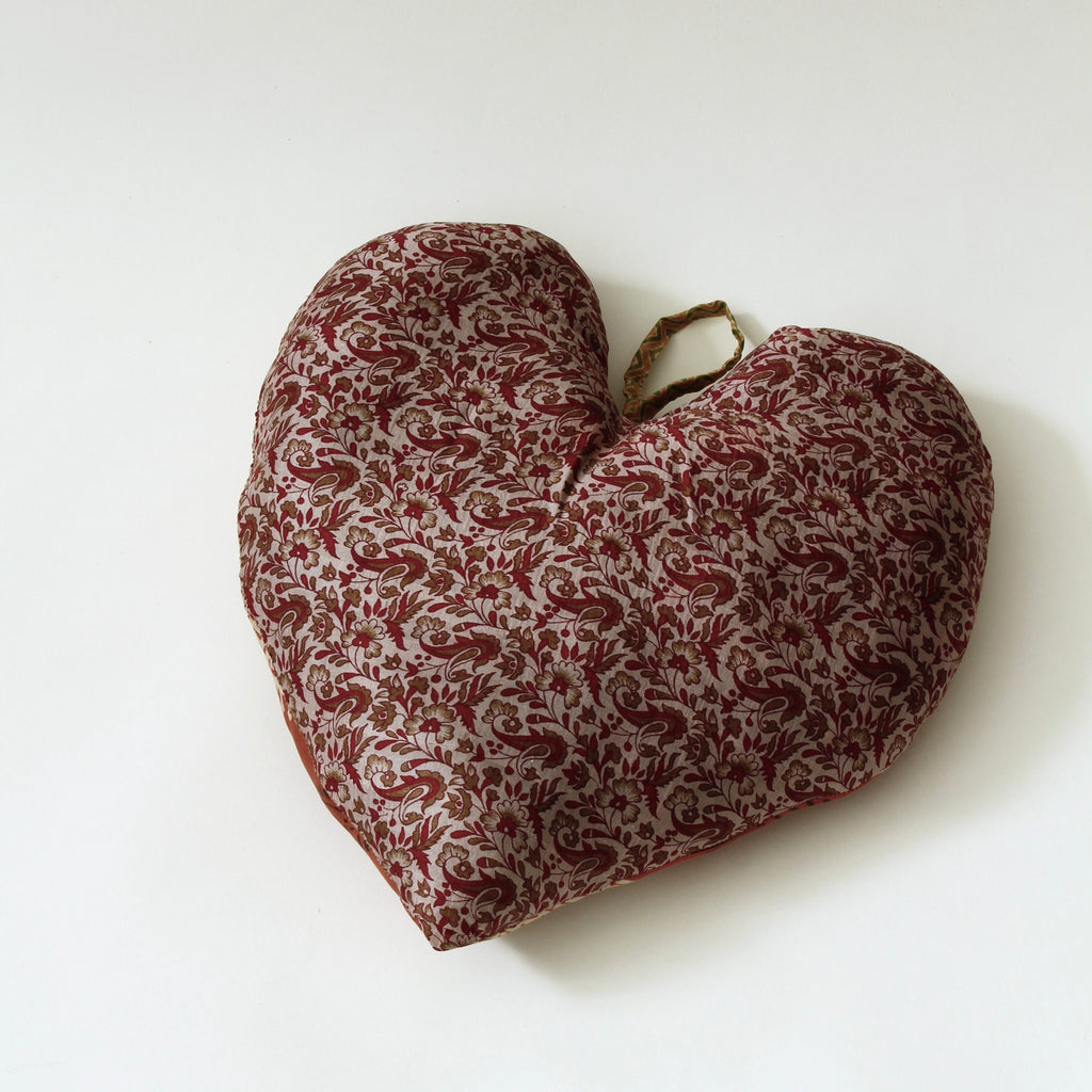 SUSTAIN vintage silk heart, large
