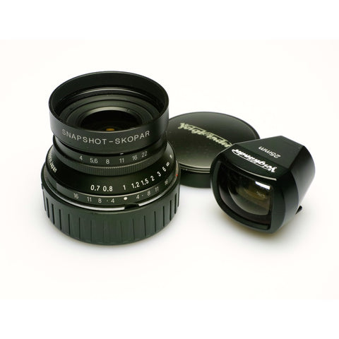 Voigtlander 25mm F4 Snapshot Skopar lens inc Finder