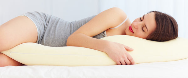 8 Benefits to Sleeping With a Pillow Between Knees