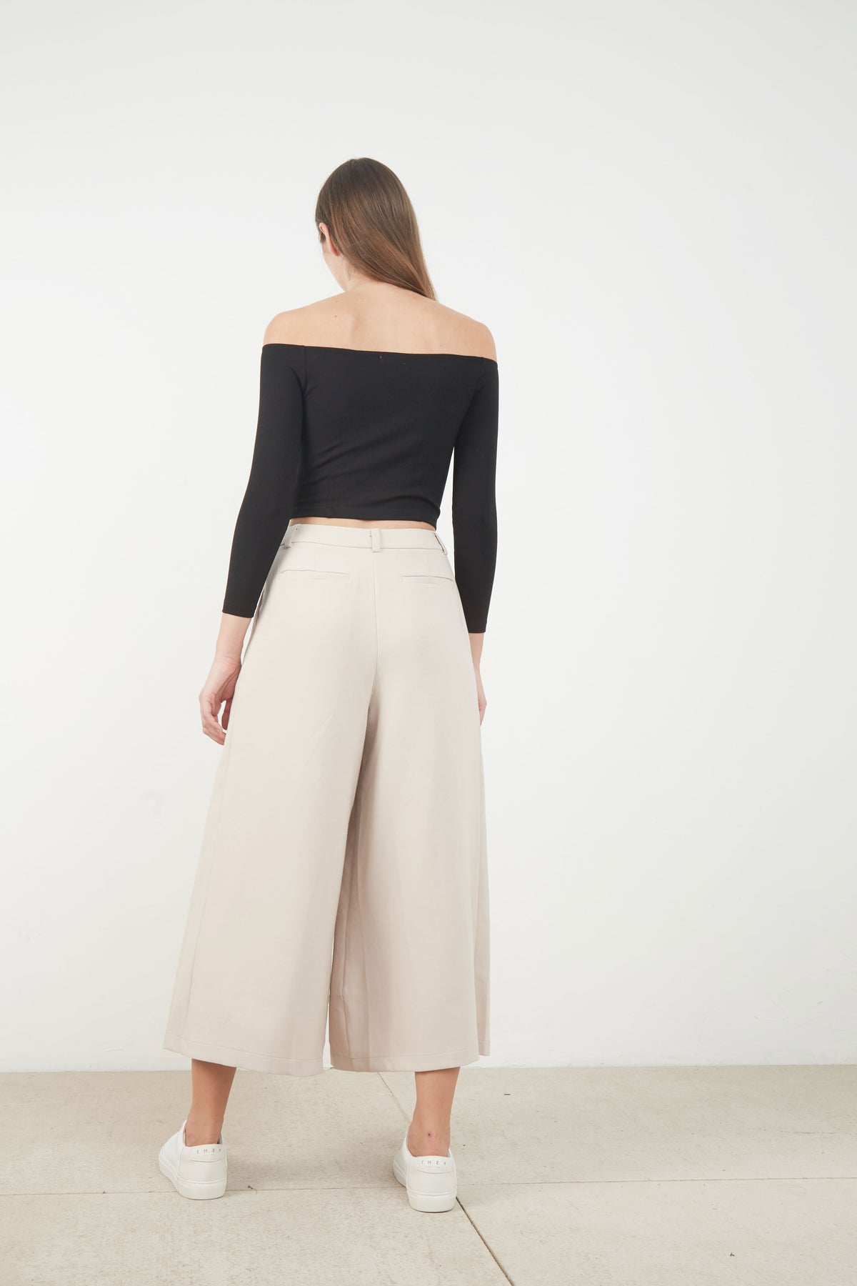 REMMY OFF SHOULDER TOP