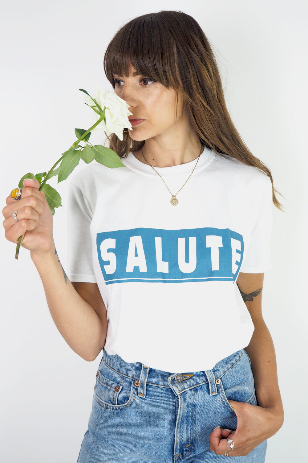 Salute retro slogan t-shirt