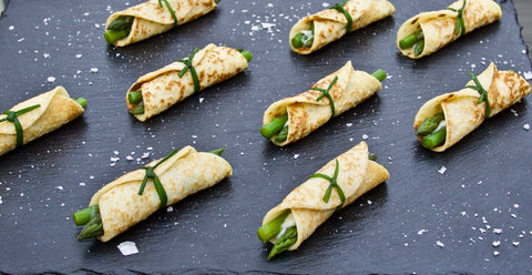 Asparagus and goat cheese mini crêpe