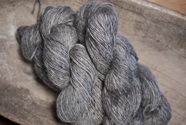 100% Natural Lambswool Dark Grey Ultra Lite-Lopi Yarn