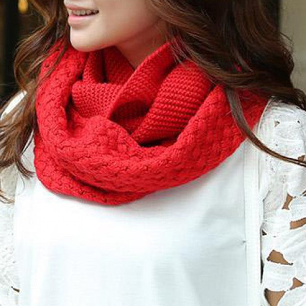 Crocheting Knitted Infinity Chunky Scarf - Ashlays