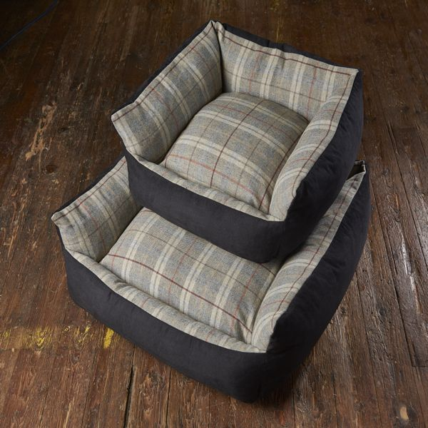 Bronte Glen Tweed Wool Dog Bed - Grey - Fernie's Choice Classic Country Wear for Dogs
