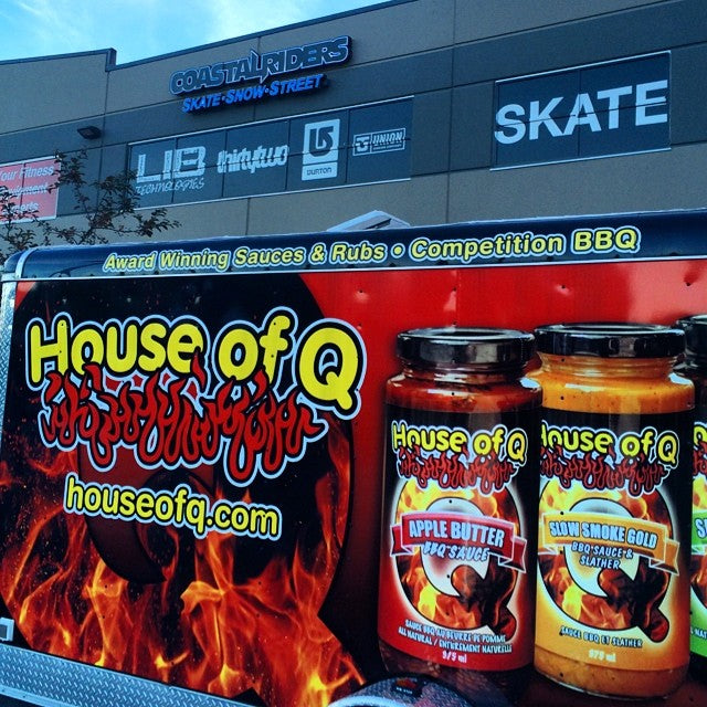 @house_of_q is all set up for the @993thefoxrocks #grillsgonewild drive through #BBQ event. Come get free world class BBQ and watch the @jeffoneilshow broadcast live. We open at 7am!