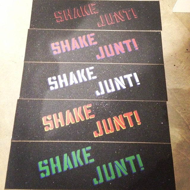 @shakejunt exclusive #Canadian colours! @mehrathontrading