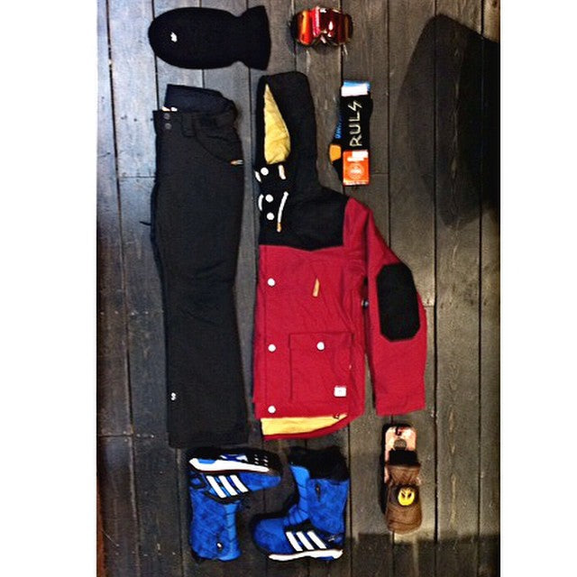 New for #winter. @colourwear outerwear, @airblaster #terryclava, @thirtytwo #partysocks, @howl x @gnarly_clothes colab mitts, @spyoptic #raider goggles, @adidassnowboarding #energyboost boots. #wellpacked #welltravelled #cstlwinter. Curated by @d1rtmedia