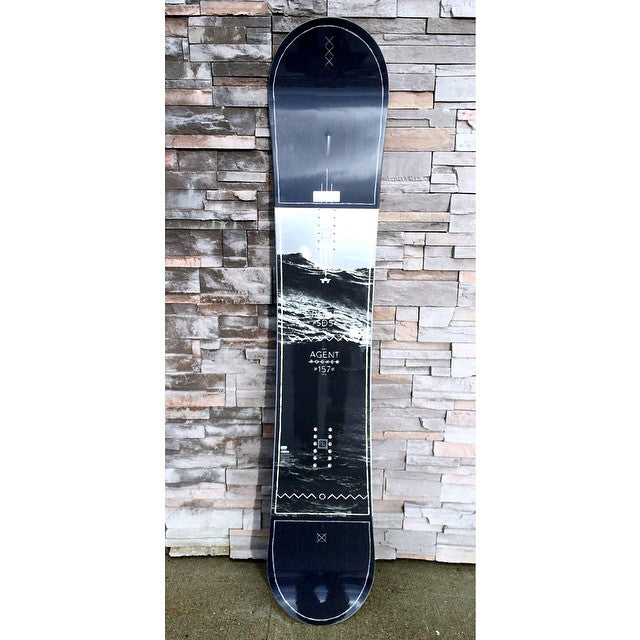 Agent Rocker by @romesnowboards equipped with Hybrid MNTPOP Rocker and turbo rods for a more exciting ride. #CSTLwinter