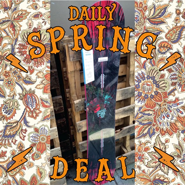 #DailySpringDeal @burtonsnowboards #DejaVu #Womens snowboard. One day only. Reg $479.99 on sale $239.99. Take advantage of this awesome deal, we are open till 9 pm tonight. #snowboarding #burton #CoastalRiders #CSTL #sale