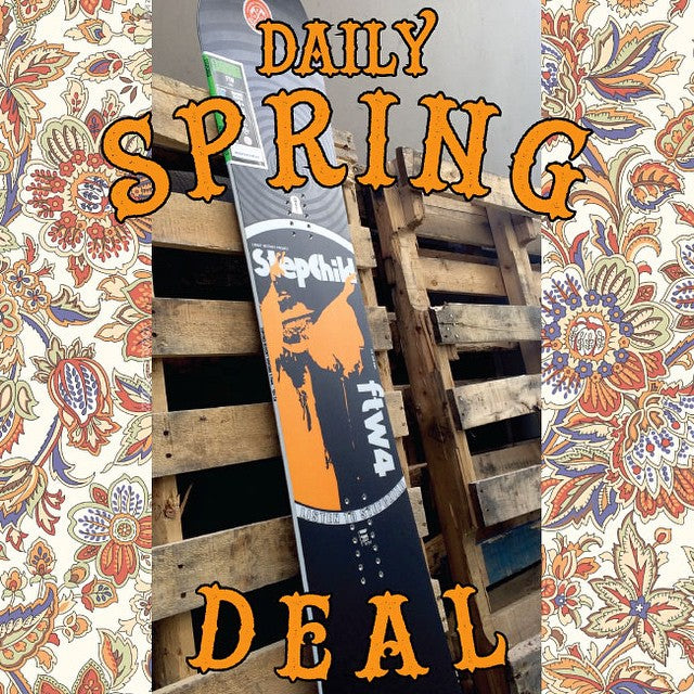 The first #CoastalRiders #Breakout Deal is the 2015 @stepchildsnowboards #FTW. Today only regular $580 on sale for $290! #stepchildsnowboards #CSTL #snowboard #Sale #dontblowit