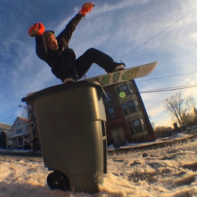 #regram from @salmonarms of #thegod @runskatechill gettin up and over out east, filming for the new #magichourmoves production. #snowboarding #RussLee #boston #CoastalRiders #CSTL #DWD