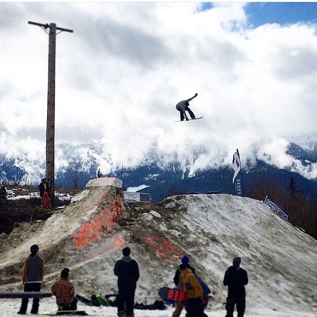 @koriath101 sending an Indy deep at the @revelstokemtn #SGames with @societysnowandskate. @dinosaurs_will_die @salmonarms #regram from @jesserobinsonwilliams