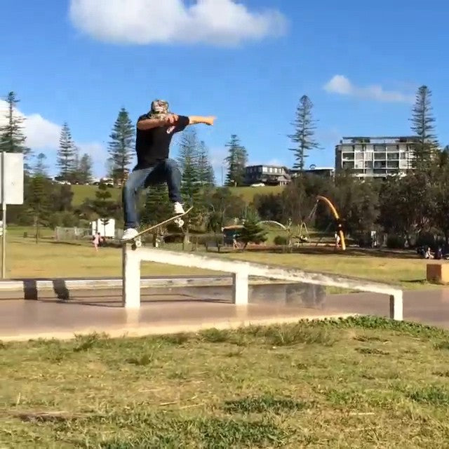 @tommytingtong is in Australia with @anti_bryan and @paigemcbride_. Check out Tommy and Ryan as they rip the Port Macquarie Park. #aus #sickasmate #CoastalRiders #CSTL #skateboarding