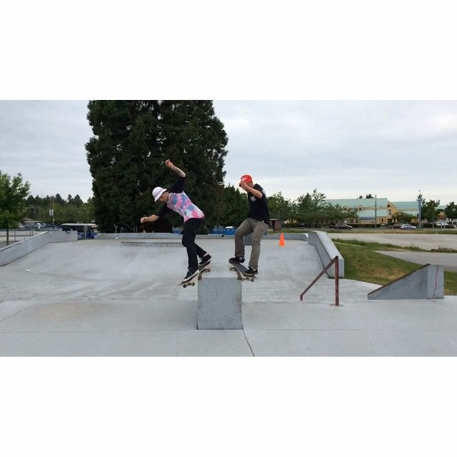 @reetdimmins and @dehype skating south delta before the rain hit. #CoastalRiders #CSTL #HitCase #Skateboarding #Tsawwassen #Ladner