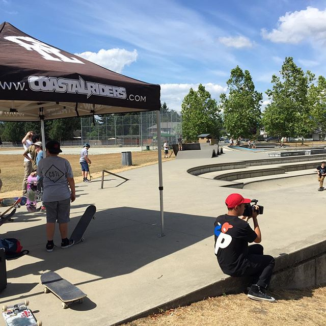 All set up at our #CstlHangtime come down and get some free stuff from @supradist and @mehrathon!! @fajard000 is here filming a welcome part for our newest rider who will be announced soon