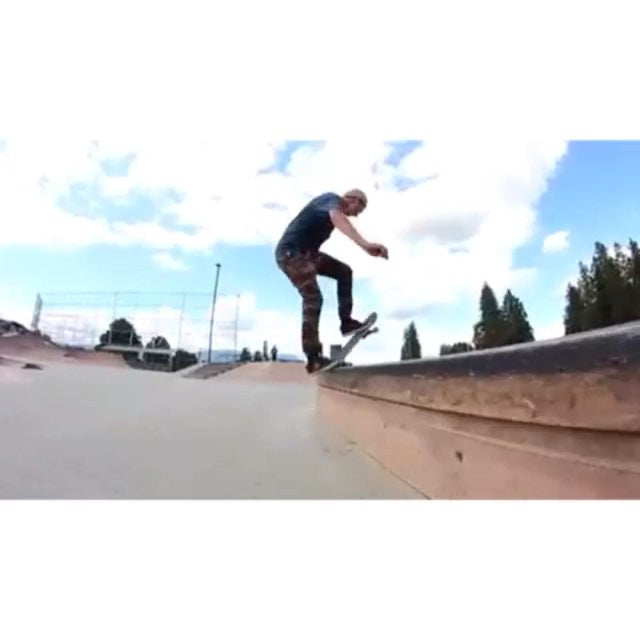 @jaydenristich got out to #PittMeadows and filmed some fun stuff with @ty_williamson. #skateboarding #CSTL #CoastalRiders