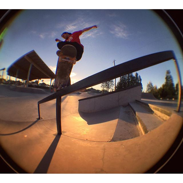 @sketchyzaz nosegrinding at the park today. @supradist @lakailtd