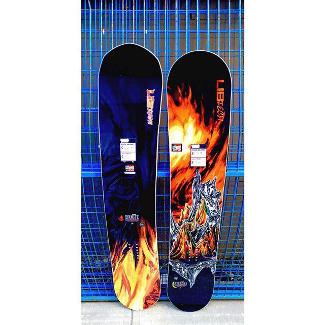 Two more awesome boards up for grabs, the @libtechnologies 'Hot Knife' now $324 (reg. $540$ and the 'Attack Banana' now $366 (reg. $610) #LibTech #Coastalriders #CSTL