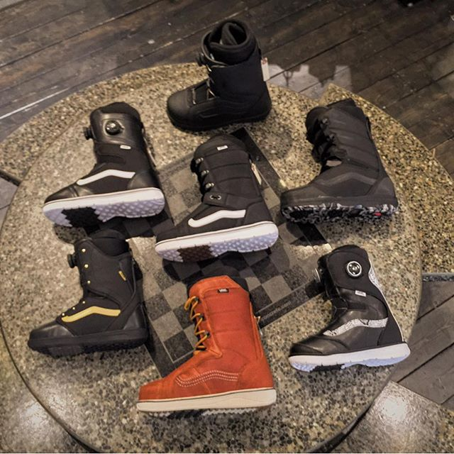 Vans men's and women's snowboard boots now in! @vanscanada @vans #WinterIsComing #cstlwinter16 #vans #HiStandard