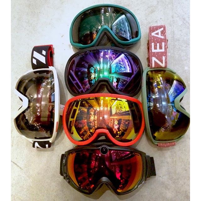 2016 @zealoptics goggles now on shelves. This brand is a go to for their polarized lenses and photo-chromatic technology (changes tint in different light) #ZEAL #coastalriders #coastalwinter16