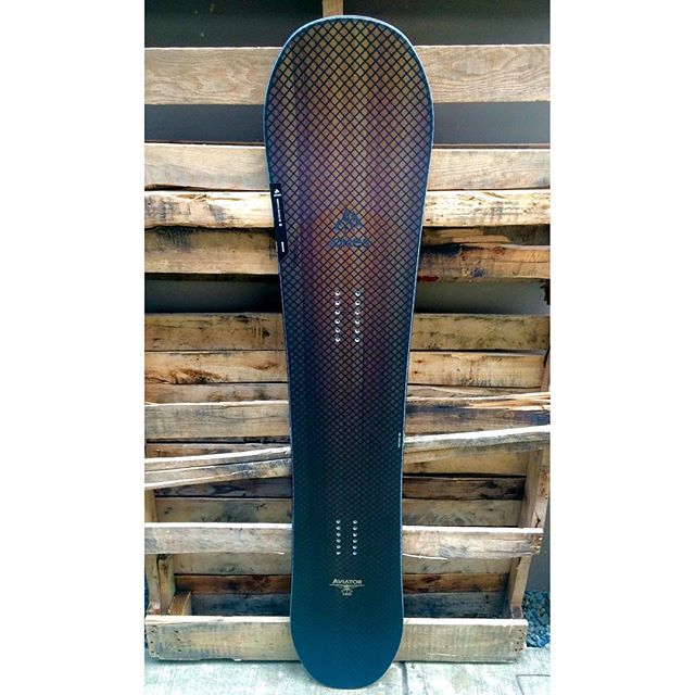 With @mtbakerskiarea and @whistlerblackcomb opening up tomorrow your going to need something to keep you afloat. The @jonessnowboards 'AVIATOR' should be in your quiver. Now down to $348 (Reg $580)
