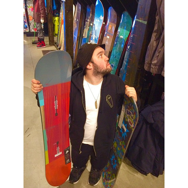 Too short to ride the big boy boards? We got in the new @burtonsnowboards Smalls boards for all the young guns out there. Open today till 6. #winter2015 #burton #youngun #littlepeoplebigworld #BiggieSmalls