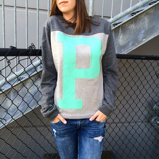 Need to get #cozy on a rainy spring day? Check out new crew neck fleece from @plentyhumanwear. #plenty #plentyhumanwear #CSTLladies #CoastalRiders