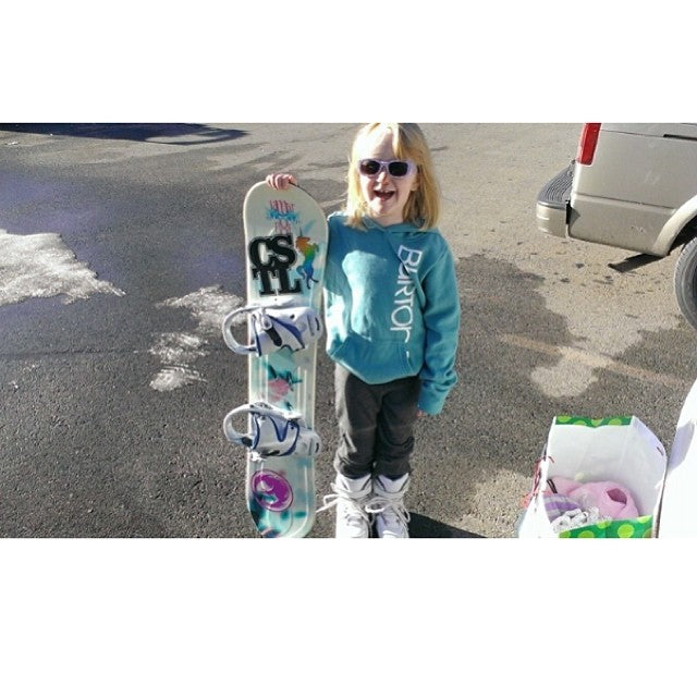 Get em while their young. Only 5 and already killing it. minishred cstl @dragonalliance @mtseymour