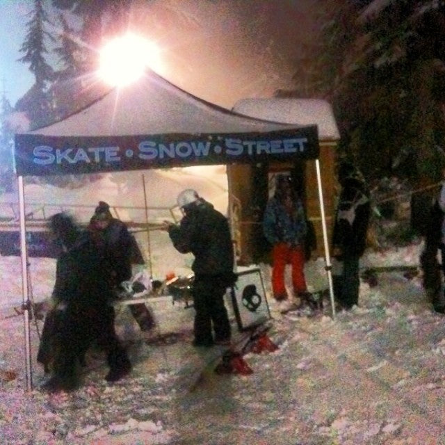 Jam Night 1 is happening now @mtseymour. Prizes provided by @ridesnowboards @celtek @sabre_fm @skullcandy