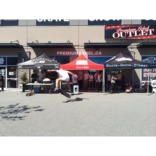 The @chocolateskateboards game of skate is underway. Come hang out. @fourstarclothing @lakailtd @supradist. Free hotdogs.