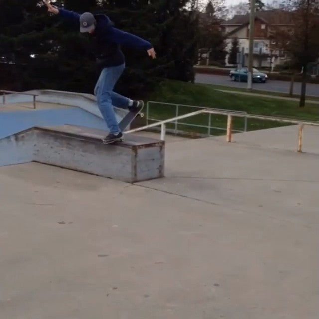 New coastalclips featuring @sbeeezy and @andrewclasson at fleetwood! regram skateboarding coastalriders