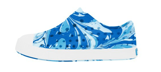 NATIVE JEFFERSON CHILD VICTORIA BLUE/SHELL WHITE MARBLED SHOES