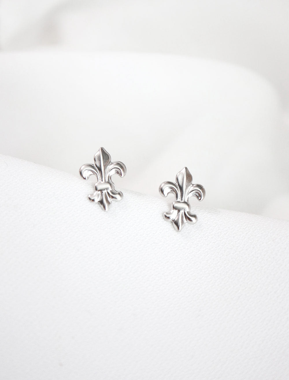 sterling silver fleur de lis stud earrings