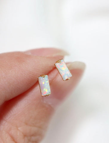 micro crystal baguette earrings | blue zircon
