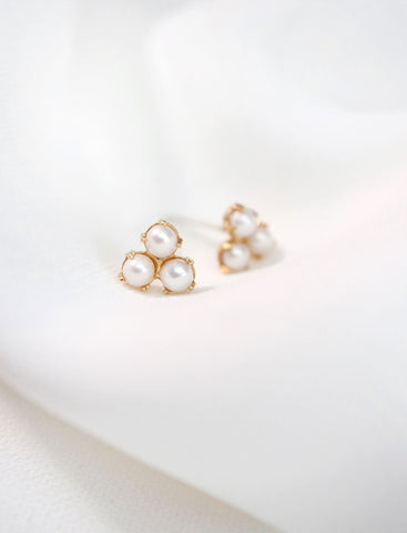 pearl earrings . set of 2