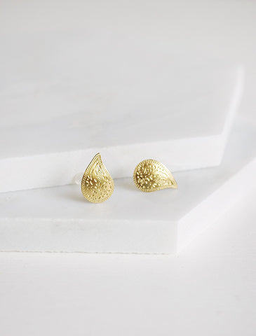 indian apostrophe earrings