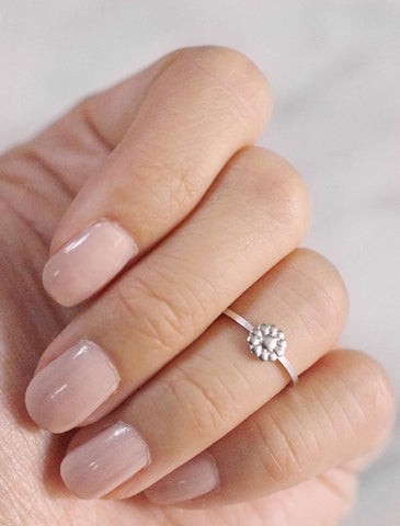 tiny sweetly midi ring