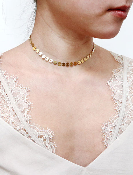 gold large disc chain choker modelled