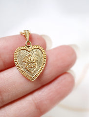 gold filled sacred heart pendant close up