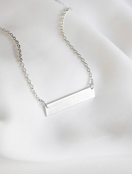 classic bar necklace . horizontal