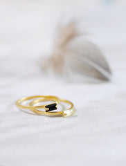 baguette ring . horizontal