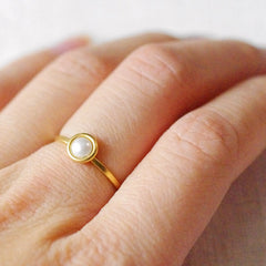 4mm bubble ring . neutrals