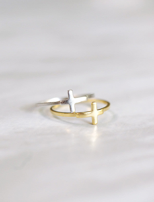 latin cross ring . horizontal