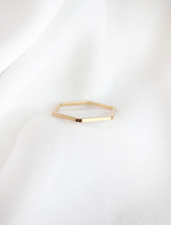single gold hexagon band ring