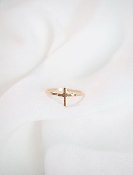 latin cross ring . vertical